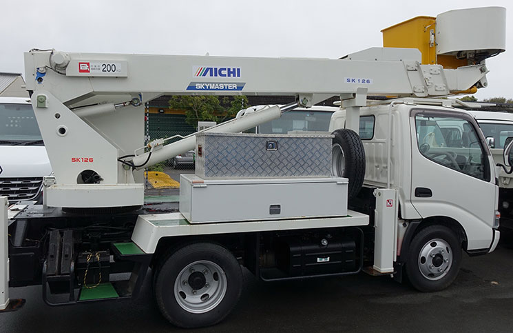 This bucket truck currently for sale on an Auckland vehicle yard is unlikely to meet New Zealand regulations so is potentially being sold illegally, says EWPA board member Mike Breen.